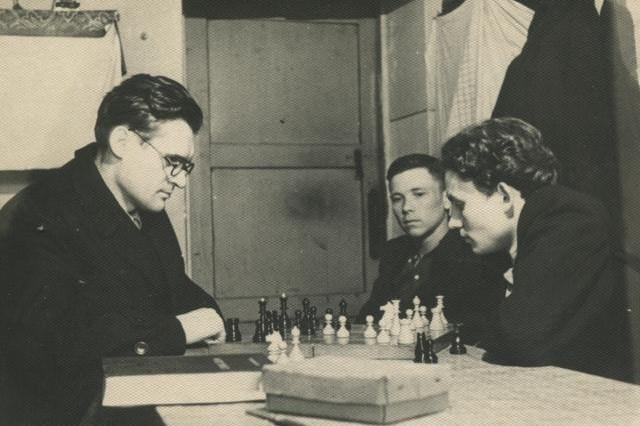 Бугаєнко Г. О. Партія шахів зі студентами